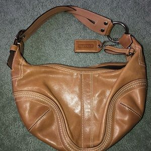 Coach vintage leather bag. Perfect for fall!